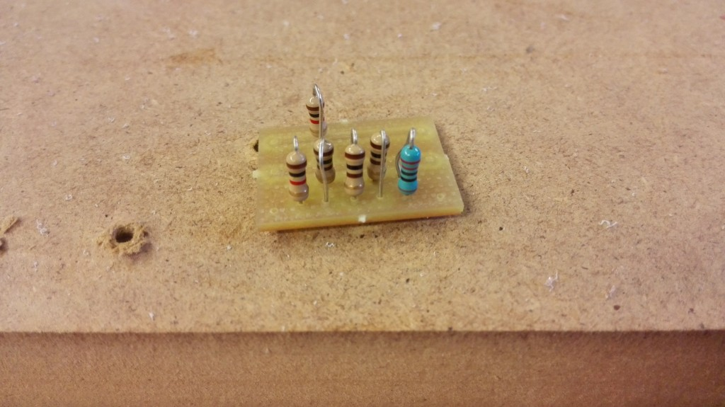 Connection board with voltage divider